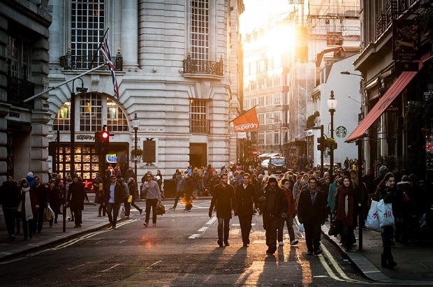 UK high street sales slump to lowest in 25 years