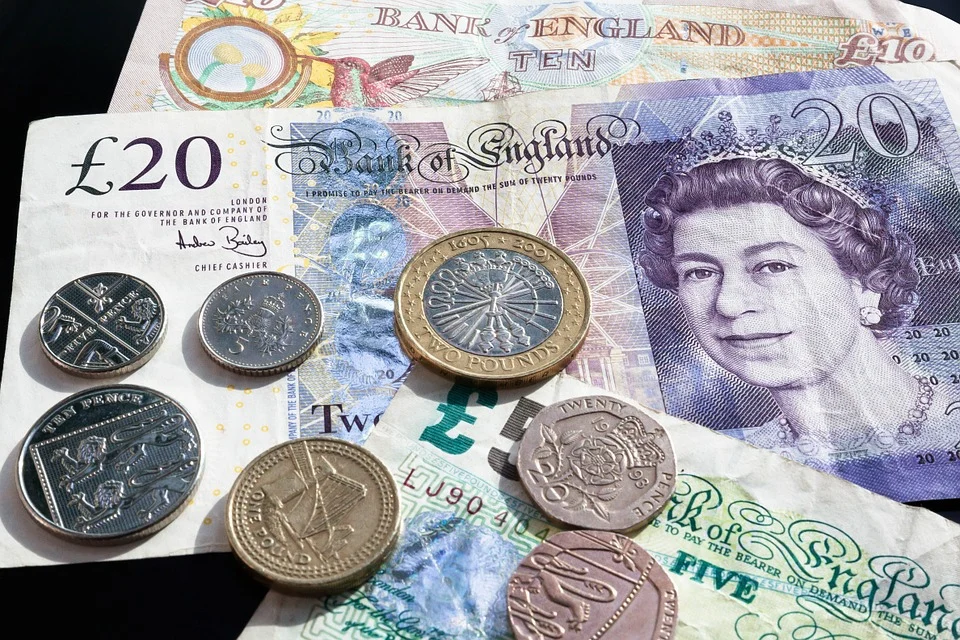 Brits saved over £245 billion in lockdown – and now they're ready to spend it